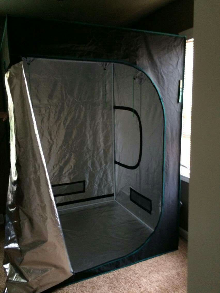First grow marshydro tent and 1000w hps light set up | Grasscity