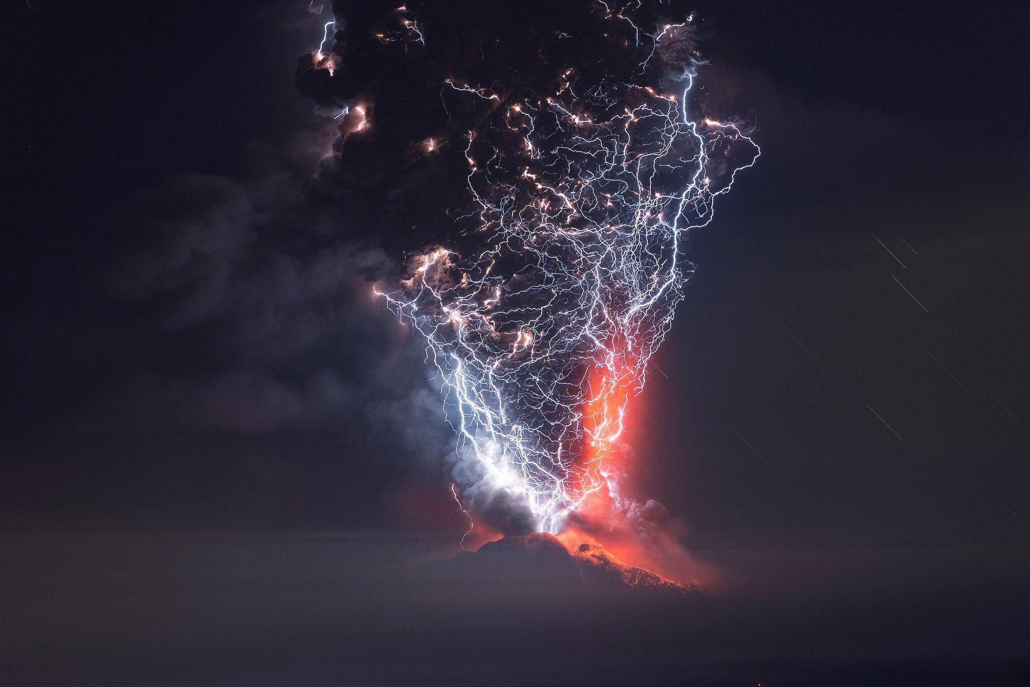 volcanic lightning.jpg